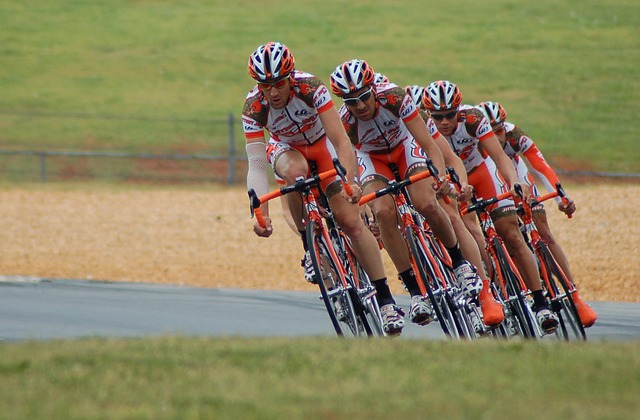 cycling peloton